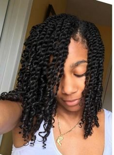 Twists NATURALLY Dope in 2019 Natural hair twists natural hair twist styles - Natural Hair Styles Natural Hair Twists, Pelo Natural, Natural Hair Care, Natural Twist Hairstyles, Quince Hairstyles, Night Hairstyles, Hairstyles Videos, Hairstyle Men, Kinky Hair