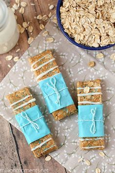 Easy peanut butter and cinnamon granola bars recipe with Greek yogurt topping - healthy and delicious!