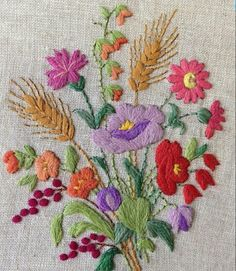 Marvelous Crewel Embroidery Long Short Soft Shading In Colors Ideas. Enchanting Crewel Embroidery Long Short Soft Shading In Colors Ideas. Cushion Embroidery, Crewel Embroidery Kits, Hungarian Embroidery, Embroidery Flowers Pattern, Brazilian Embroidery, Learn Embroidery, Ribbon Embroidery, Cross Stitch Embroidery, Machine Embroidery