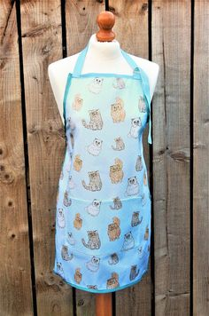 Cat apron  unique cat print fabric  cat lover gift  cat mum Cat Lover Gifts, Cat Gifts, Cat Lovers, Unique Cats, Aprons, Printing On Fabric, How To Draw Hands, Cotton, Stuff To Buy