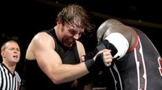 Raw 2/10/14: Dean Ambrose vs Mark Henry - United States Championship Match