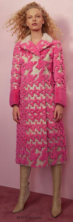 #Fendi Resort 2018 #pink