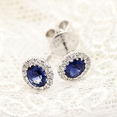 Gorgeous blue saphire and diamonds earings by Coriolan