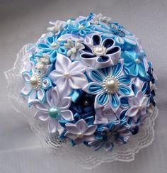 Bouquet de mariage bleu et blanc/Wedding brooch/Bouquet de mariée en satin/Bouquet de mariage kanzashi/Fleurs en satin/Ruban en satin de la boutique bricoartKAM sur Etsy