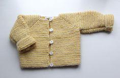 Beskrivning på randig stickad babytröja