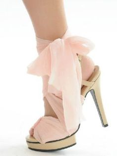 Tie Pin Ribbon Fluttering Water Table High Heeled Shoes  www.choies.com