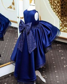 Stylish cardigans and coatigans for mothers to view you through the weather. Girls Blue Dress, Gowns For Girls, Royal Blue Dresses, Little Girl Dresses, Girls Dresses, Flower Girl Gown, Flower Dresses, Robes Pour Juniors, African Dresses For Kids
