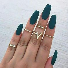 Bijoux – Tendance : New Fashion Lightning Waves ring set finger rings – Nail Art Cute Acrylic Nails, Matte Nails, Red Nails, Acrylic Colors, Black Nails, Glitter Nails, Gold Glitter, Matte Green Nails, Matte Red
