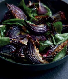 Vegan Gluten Free, Vegan Vegetarian, Vegetarian Recipes, Cooking Recipes, Roasted Onions, Caramelized Onions, Vegetable Sides, Vegetable Recipes, Grilled Halloumi