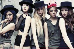 f(x) 에프엑스 Victoria, Amber, Luna, Sulli, and Krystal Kpop Girl Groups, Korean Girl Groups, Kpop Girls, Sulli, 2ne1, Btob, Fx Red Light, Victoria, K Store