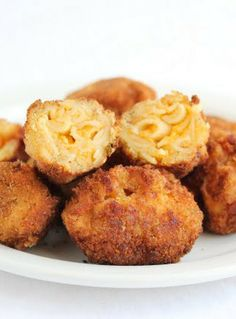 Fried Bacon Macaroni and Cheese Balls - Your comfort food favorites all rolled into one | Kirbie's Cravings
