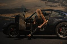 Agnes & Porsche 911 by Jarek S on 500px