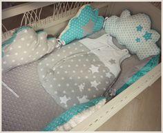 Tour de lit bébé nuage et étoile gris blanc et bleu turquoise