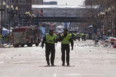 Las imágenes de las dos explosiones del maratón de Boston - RTVE.es http://www.rtve.es/mediateca/fotos/20130415/imagenes-dos-explosiones-del-maraton-boston/110015.shtml