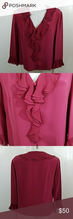 """🥀Final Reduction🥀 Nwt Silk Maggy London Blouse Nwt New with Tags 100% Silk Maggy London Blouse. In excellent condition. Size 12. Bust 42"""" Length 22"""" 100% Silk Maggy London Tops Blouses"""