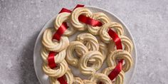 Vaniljekranse – Danish Christmas butter biscuits