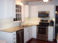 Off White Kitchen Cabinets, Off White Kitchens, White Kitchen Backsplash, Subway Tile Kitchen, White Cabinets, Backsplash Ideas, Subway Tiles, Backsplash Tile, Kitchen Countertops