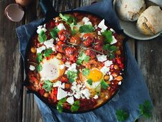 A grain free paleo breakfast nachos with gooey eggs, avocado and a homemade salsa. Made with sweet potatoes and perfect for breakfast, lunch or dinner Black Bean Nacho Recipe, Bean Nachos Recipe, Breakfast Nachos, Paleo Breakfast, Small Food Processor, Food Processor Recipes, Snack Recipes, Healthy Recipes, Healthy Foods