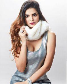 Sonali Raut by Sonali Raut, South Actress, Jacqueline Fernandez, Lakme Fashion Week, Hair Color For Black Hair, Indian Models, Hot Dress, Actress Photos, Hottest Models