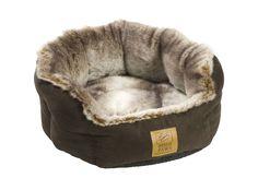 HP139 - Faux Arctic Fox Snuggle Bed