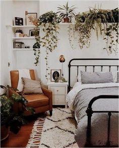 Cozy Bedroom, Bedroom Inspo, Trendy Bedroom, Modern Bedroom, Bedroom Apartment, Bedroom Wall, Eclectic Bedroom Decor, Earthy Bedroom, Bedroom 2018