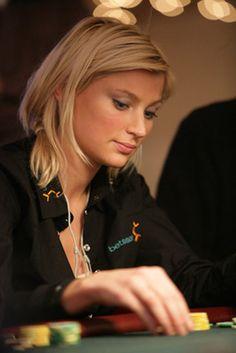 Veronika Larsen