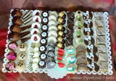 Christmas Baking, Christmas Cookies, Cookie Box, Make Your Mark, Mini Cakes, Biscotti, Catering, Sushi, Cake Recipes