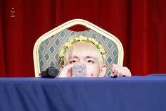 V the baby ❤ BTS at the Hongdae Fansign #BTS #방탄소년단