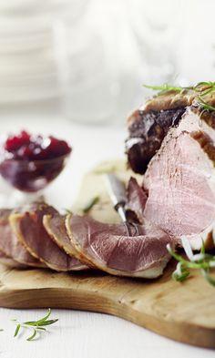 Helppo lampaan jääpaisti – katso ohje   Meillä kotona Tuna, Steak, Food And Drink, Fish, Ethnic Recipes, Koti, Christmas, Xmas, Pisces