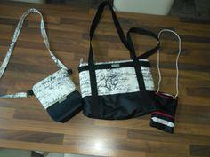 #Taschen  Eigentlich wollte ich nur meine #stoffreste verkleinern. Jetzt habe ich noch mehr #selbst_genähte_Handtaschen