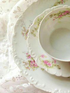 Antique French Limoges Tresseman & Vogt Elite Works Tea Cup, Saucer Trio Cottage Style Tea Gathering Ca. Antique Dishes, Vintage Dishes, Antique China, Vintage China, Vintage Tea, French Vintage, Rose Cottage, Cottage Style, Limoges China