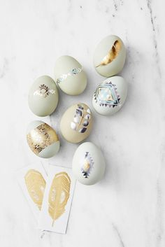 Heirloom Eggs – Add some (temporary) ink with metallic flash tattoos. Looking it to mix it up? Use heirloom eggs — which come in pale blues and pinks — as the canvas. Click through to see the whole gallery or for more easter egg ideas.