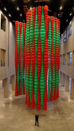 """Kabbalah"" - Choi Jeong-Hwa Recycled Art Projects, Plastic Art, Korean Art, Shop Window Displays, Installation Art, Bunt, Design Art, Contemporary Art, Sculpture"