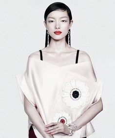 Intentional Dissonance @Ashley Lam   Vogue China @Angelica_Cheung #April2013