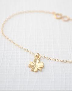 4 Leaf Clover necklace, cute!