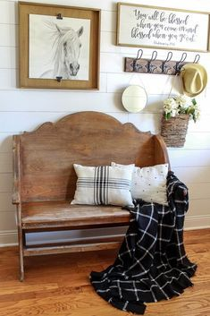 Learn how to make no-sew pillows from placemats with an easy step by step tutorial. An easy DIY that only requires 4 supplies. Entry Way Decor Home Decor Bedroom, Decor, Home Diy, Cheap Home Decor, Rustic House, Easy Home Decor, Diy Home Decor, Home Decor, Rustic Home Decor