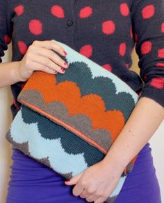 scalloped knit clutch