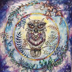 Instagram media viciodecolorir - Gente olha essa coruja. Ótima inspiração para animar a segundona né? Coruja Mary (tão chique que até nome tem ) colorida pela Eliane @eli_federzoni @dreams.colors. -------------------------------------------------- #viciodecolorir #jardimsecreto #florestaencantada #nossaflorestaencantada #johannabasford #editorasextante #lapisdecor #aquarela #coloringbook #coloriage #colorindolivrostop #jardimsecretotips
