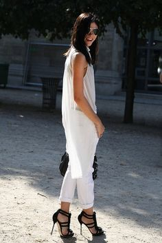 All white ensemble paired w/ black sandals: simple & chic #StreetStyle