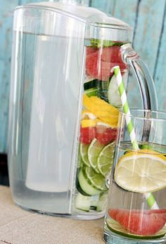 Toxins In Diet Slim Down Detox Water ½ gallon spring water ½ grapefruit, sliced ½ cucumber, sliced mint leaves ½ lemon, sliced ½ lime, sliced - Prep time: 10 minutes Yield: 8 servings Serving size: 1 - 8 oz glass Healthy Detox, Healthy Drinks, Get Healthy, Healthy Life, Healthy Snacks, Healthy Living, Healthy Recipes, Diet Detox, Fitness Workouts