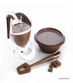 SilikoMart SRL - Houseware: tutti gli stampi in silicone Chocolate Molds, How To Make Chocolate, Chocolate Making, Kitchen Tools, Kitchen Appliances, Kitchen Stuff, V60 Coffee, Coffee Maker, Baking