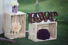 Modern Rustic Black Gray Ivory Purple Silver Bouquet Country Club Decor Fall Ohio Outdoor Reception Wedding Flowers Photos & Pictures - WeddingWire.com