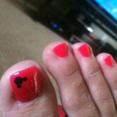 Nails disney toes 55 Ideas for 2019 Disney Toe Nails, Disney Toes, Mickey Nails, Disneyland Nails, Pedicure Colors, Pedicure Nail Art, Manicure, Pedicure Ideas, Pedicure Spa