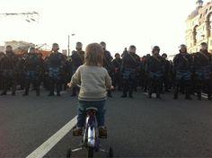 kid vs. riot police in russia