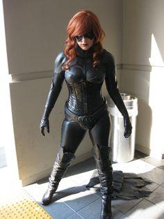 I am also liking the Batgirl without the cape. Batgirl *No Cape Version* Batgirl Cosplay, Batman And Batgirl, Superhero Cosplay, Marvel Cosplay, Amazing Cosplay, Best Cosplay, Super Heroine, Barbara Gordon, Batwoman