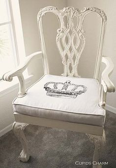 want to redo my bedroom chairs like this! <3