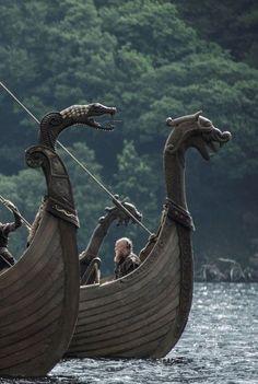 Anonymous said: Could you make like dragons with vikings? Answer: Dragons and vikings Vikings Art, Norse Vikings, Viking Life, Viking Warrior, Viking Woman, Viking Aesthetic, Viking Culture, Viking Ship, Viking Dragon