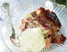Herkullinen raparperipiirakka Gourmet Recipes, Sweet Recipes, Camembert Cheese, Dairy, Pie, Cooking, Food, Kitchens, Torte
