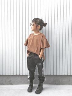 pick up tag #スポーツミックス 去年大きかったアディダスのパンツもジャストサイズになって Kids Wear, Diy For Kids, Amanda, Tumbler, Kids Fashion, Girl Outfits, Normcore, Children, Mini
