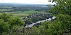 Spectacular views of the Ottawa Valley hiking King Mountain in Gatineau Park
